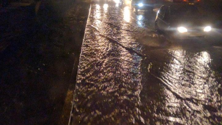 Причиной потопа на Кирова стал порыв водовода на Московском шоссе