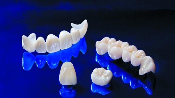 Здоровая улыбка по спеццене: сверхпрочные коронки из оксида циркония можно поставить за 12 600 рублей
