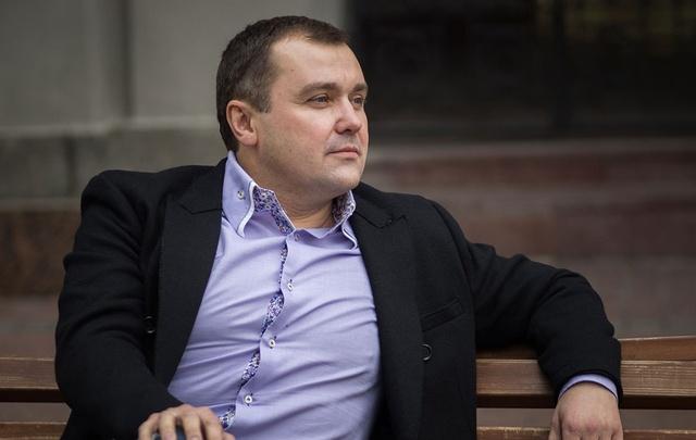 Александр Донской в Санкт-Петербурге выгулял на поводке «Трампа»