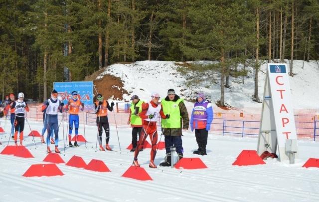 Тюменские паралимпийцы взяли 22 медали на лыжных и биатлонных гонках в Кировской области
