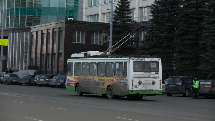Движение транспорта на крупной магистрали в Челябинске восстановят раньше срока