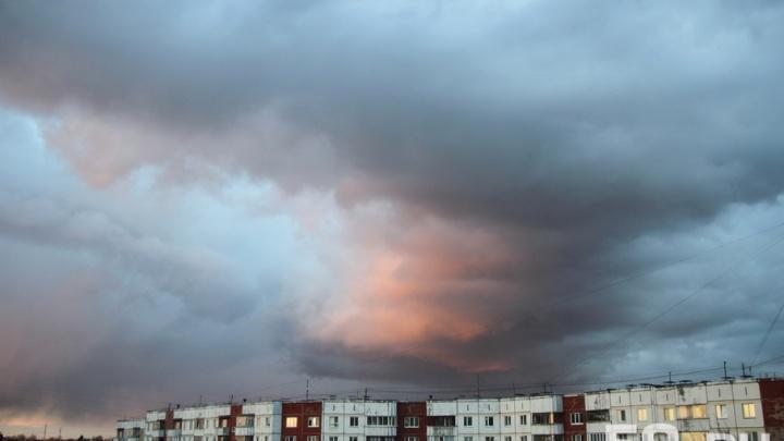 МЧС предупреждает о грозах и штормовом ветре на севере Прикамья
