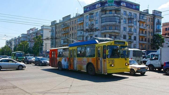На северо-западе Челябинска на неделю закроют движение троллейбусов