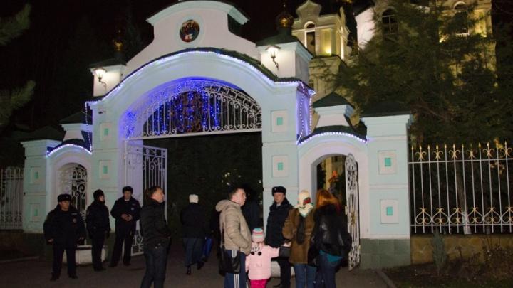 Около 42 тыс. дончан отпраздновали Рождество в храмах и церквях региона