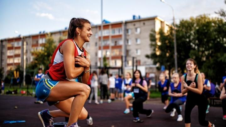 Тюменцы всё лето смогут бесплатно заниматься боксом, аэробикой и футболом