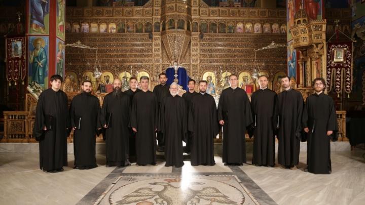 Византийский хор в «Родине»: на фестиваль в Челябинск приехали монахи из Греции