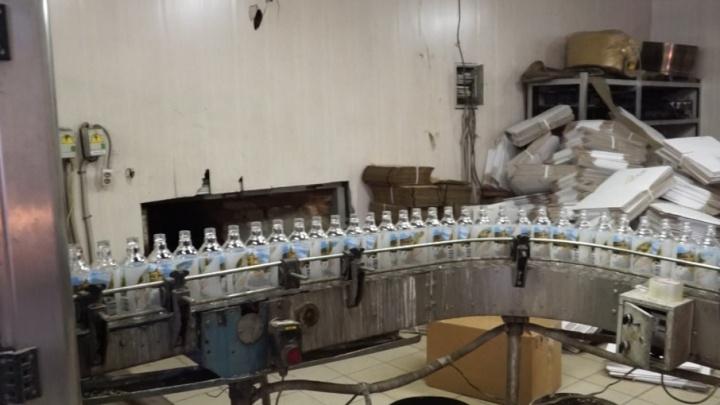 На Южном Урале полицейские изъяли 30 тысяч бутылок поддельного алкоголя