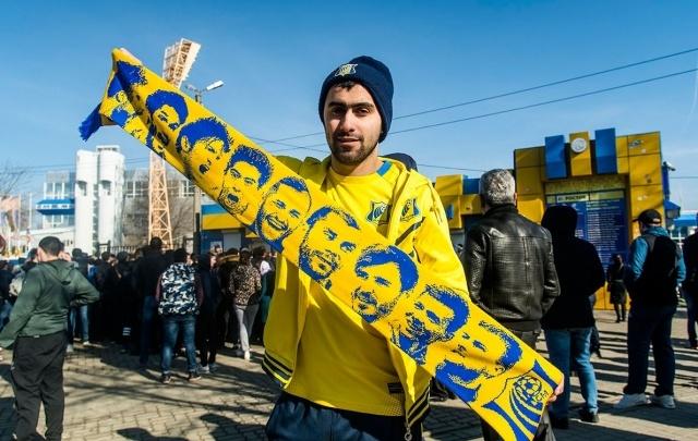 Фанаты «Ростова» призывают друг друга одаривать фанатов «Манчестер Юнайтед» пледами