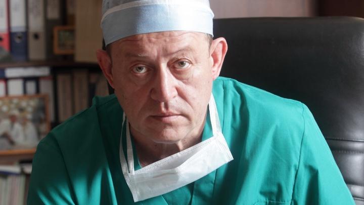 Умерший два года назад главный кардиохирург Прикамья «рекламирует» средство от варикоза