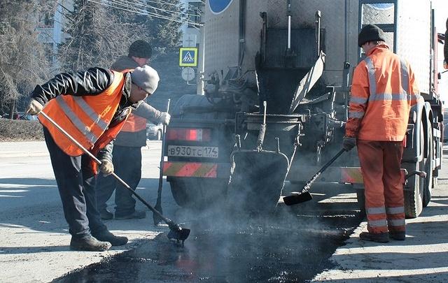 За неделю в Челябинске отремонтировали больше тысячи квадратных метров дорог