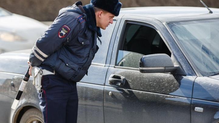 В Волгоградской области ищут машину, раздавившую на трассе пешехода