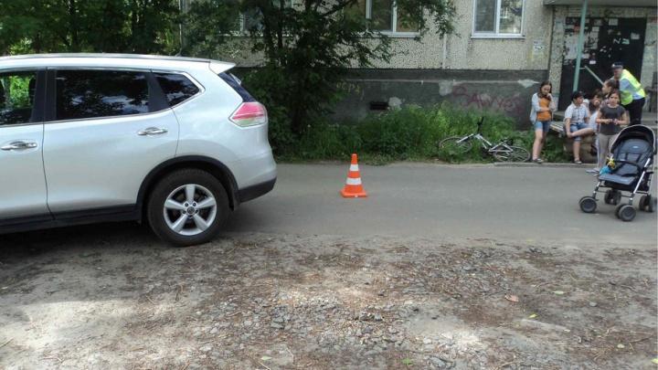 В Архангельске сотрудники ГИБДД ищут свидетелей аварии, где пострадал ребенок