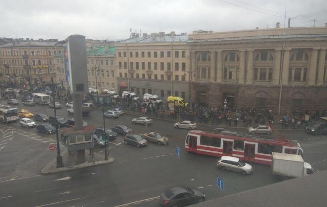 Борис Дубровский выразил соболезнования семьям погибших в петербургском метро