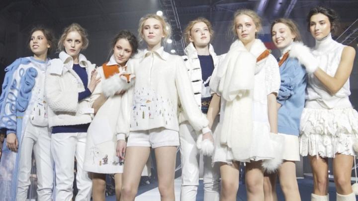 Fashion по-ярославски: лучшие дизайнеры представили шарфы из лисы и безразмерные пальто