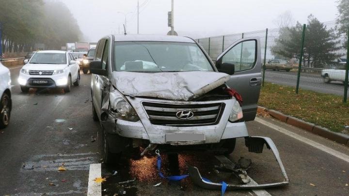 В Аксайском районе Hyundai врезался в ВАЗ: пострадал один из водителей