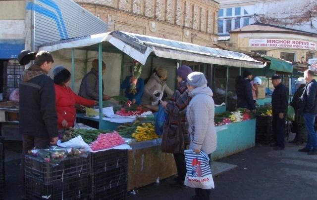 Центр Волгограда расчистили от «диких» торговцев цветами к 8 Марта
