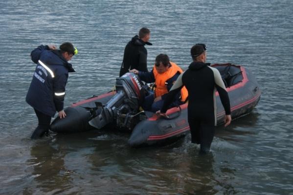 В трагедии на озере Максимка погибло трое взрослых и четверо детей