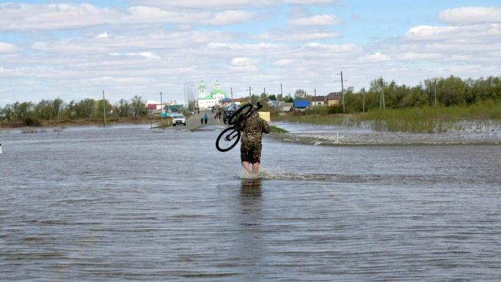 Эвакуация жителей Ишима продолжается: уровень воды достиг рекордной отметки 9,4 метра