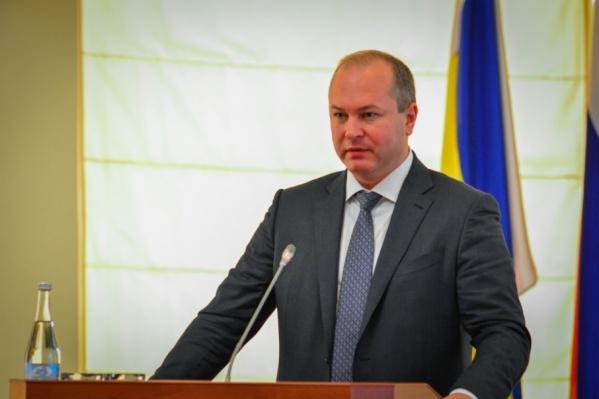 Градоначальник в прошлом году заработал около трех миллионов рублей