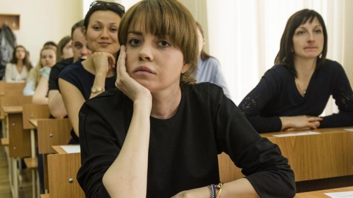 Почувствуют себя школьниками: в Ростовской области родители сдадут ЕГЭ
