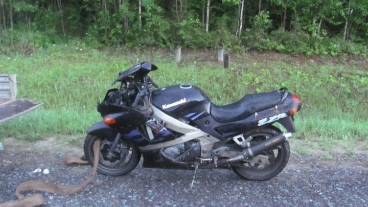 В Шенкурском районе в дорожной аварии серьезно пострадал мотоциклист