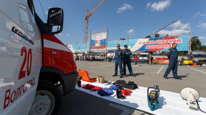 Волгоградцам дали посидеть за рулем машин, тушивших гигантские пожары августа