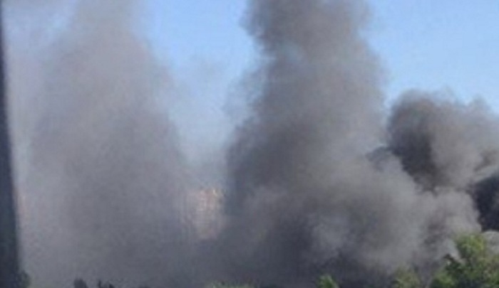 В Ростове горит автосервис на улице Черевичкина