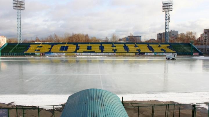 Архангельский стадион «Труд» готовится к старту хоккейного сезона
