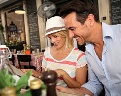 «Райффайзенбанк» и «Афиша-Рестораны» запустили кобрендовую карту MasterCard
