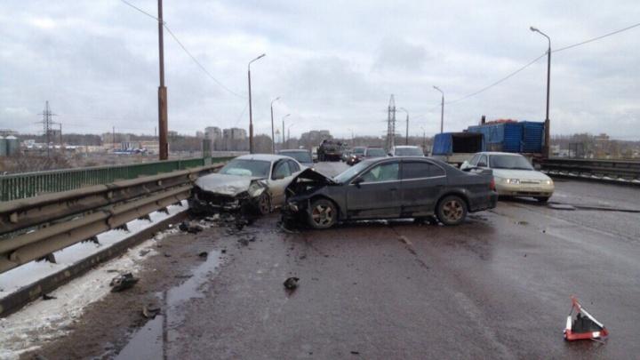 Ярославцы пять часов простояли в огромной пробке в Брагино