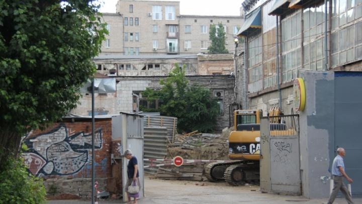 На администрацию Волгограда подали в суд из-за пристройки к Центральному рынку