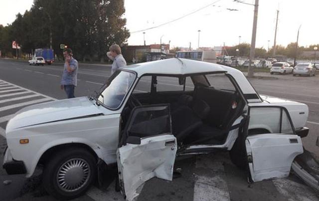 Подробности ДТП в Тольятти: пенсионер-лихач на «семерке» сам попал под удар ВАЗ-21102