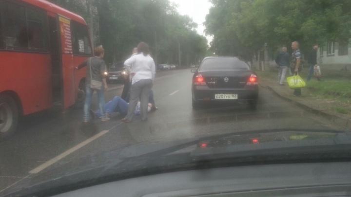 Водитель маршрутки сбил пешехода на пересечении Металлистов и проспекта Металлургов