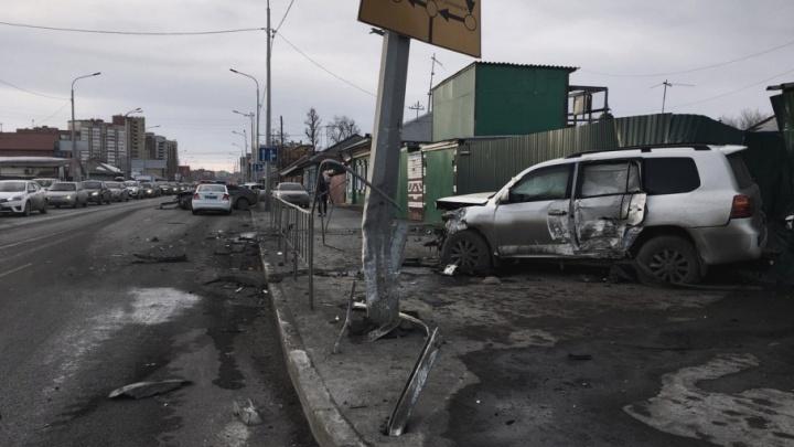 22-летний тюменец, устроивший серьезное ДТП на Чернышевского, находится в тяжелом состоянии