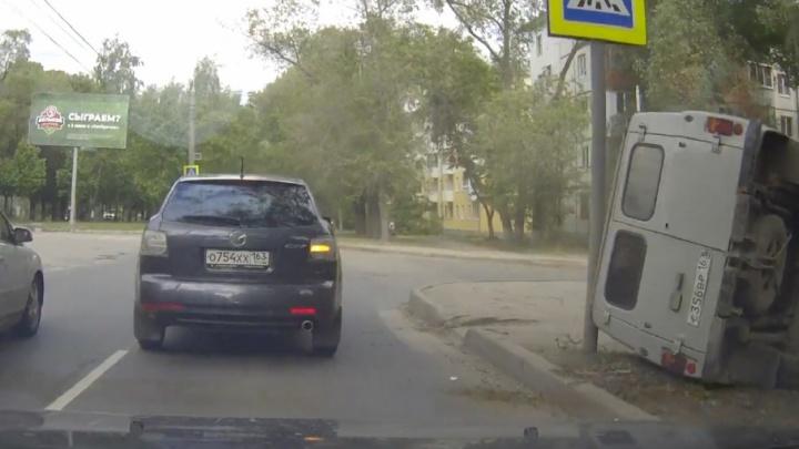 Без тормозов: водитель «буханки» ловко остановил свой неисправный автомобиль