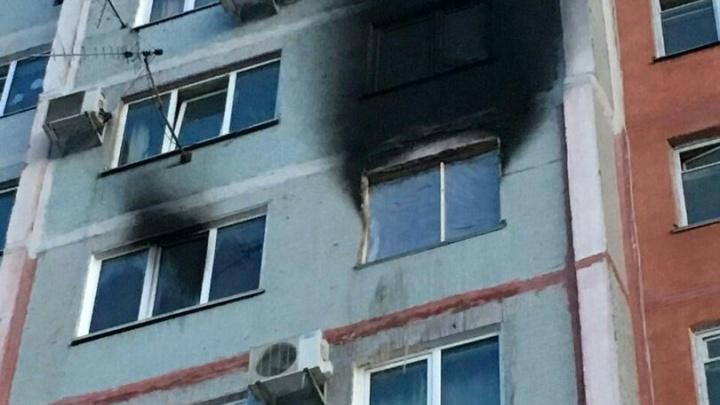 Волгоградцы собирают вещи для жертв утреннего пожара на Буханцева