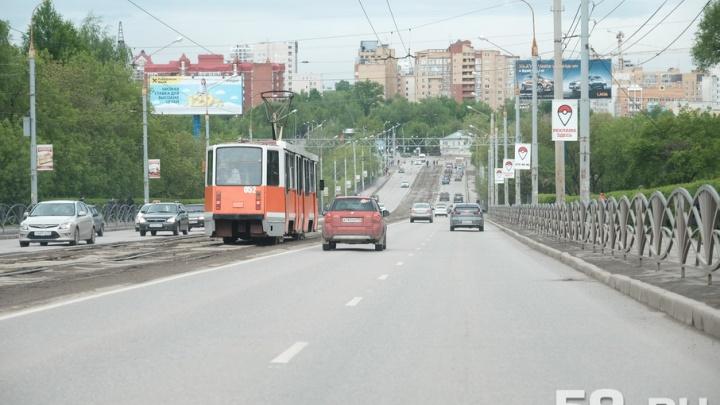 В Перми изменили режим работы светофоров из-за ремонта Северной дамбы