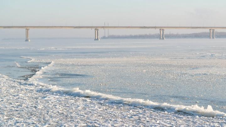 Ледоход в Волгограде: Волга сбрасывает ледовые оковы
