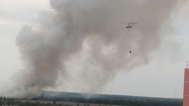 Крупный пожар на свалке за Ростовским морем локализовали