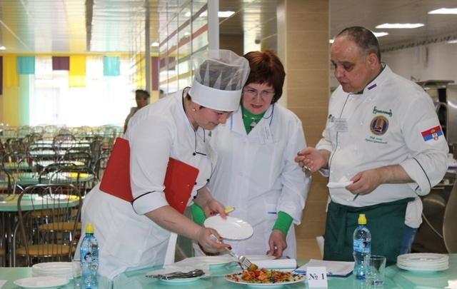 В Тюмени определили лучшего школьного повара