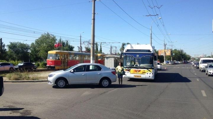 В Краснооктябрьском районе Волгограда в ДТП пострадала кондуктор автобуса №95