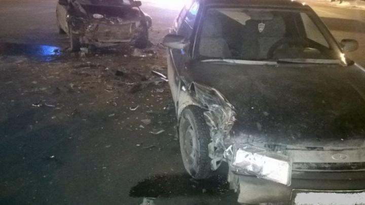 Молодые автомобилисты не разъехались на челябинской дороге