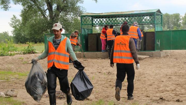 Не надо мусорить: в Самаре на берегу Волги и Татьянки установили емкости для отходов