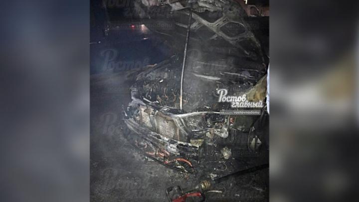В Ростове за одну ночь сожгли две иномарки