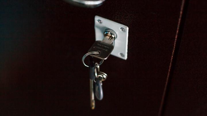 Тюменку, из квартиры которой воняло, суд заставил выплатить соседям компенсацию в 40 тысяч рублей