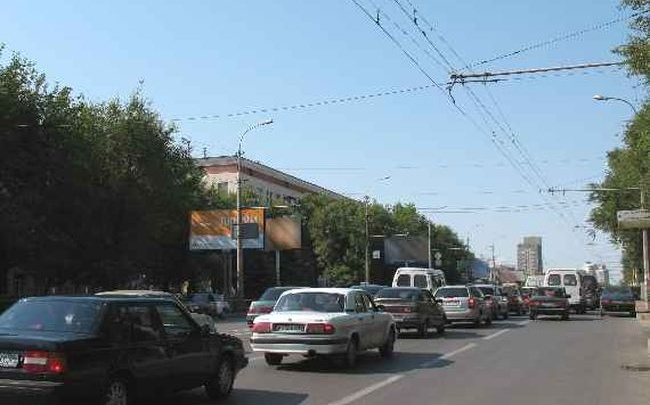 Из-за ремонта на переезде в Волгограде сузят улицу Краснополянскую