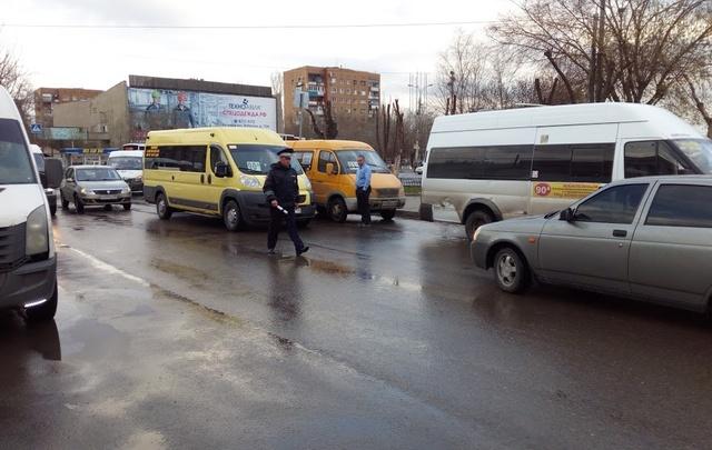 Жители Красноармейского района Волгограда страдают из-за отмены привычных маршруток