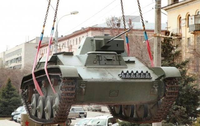 Военная техника возвращается на эстакаду музея-панорамы  «Сталинградская битва»