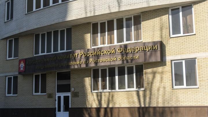 Жительница Каменска-Шахтинского выпала из окна на третьем этаже и разбилась насмерть