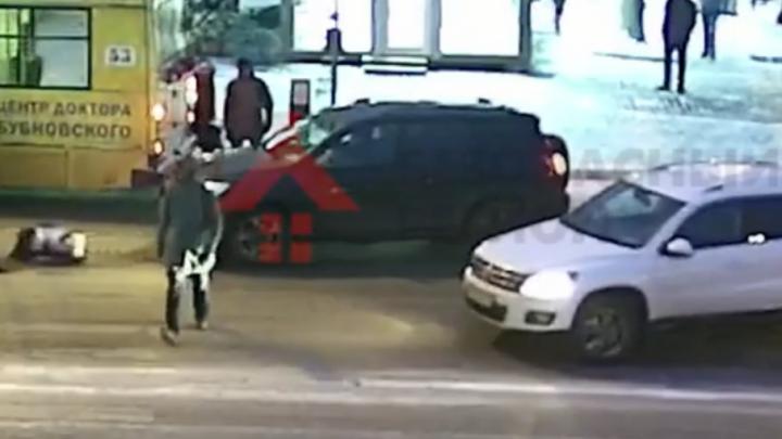 Ярославские гаишники объявили в розыск водителя, который сбил девочку и уехал